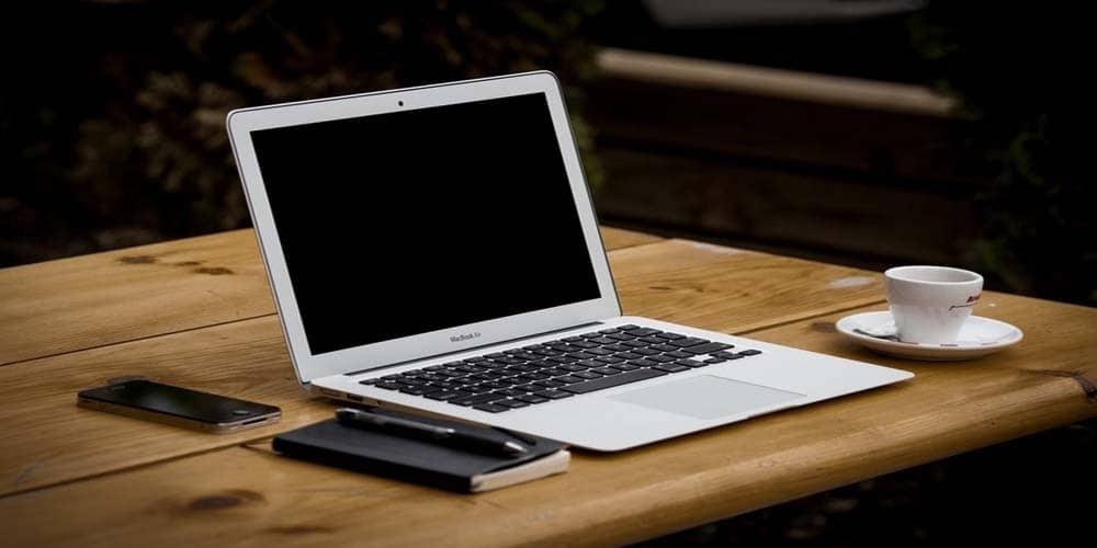 coffee-apple-iphone-desk-large-1000x5001-1000x500.jpg